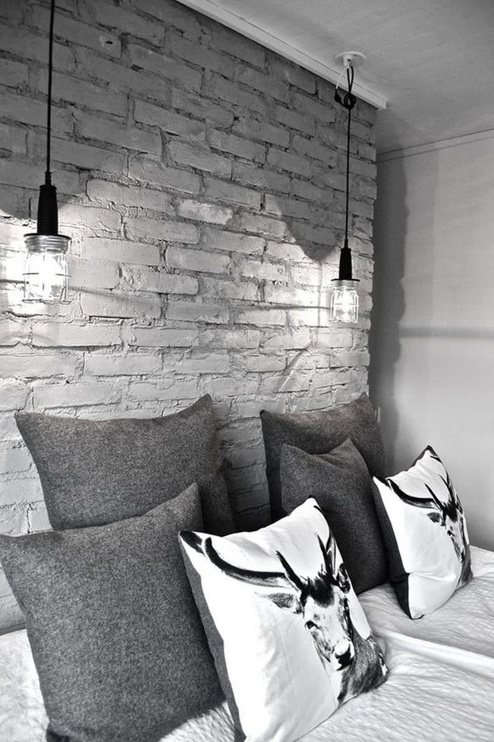 Sypialnia loft - oświetlenie punktowe