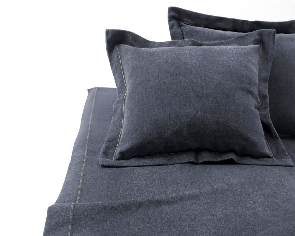 Elegancka sypialnia - narzuta Velvet Premium Threton