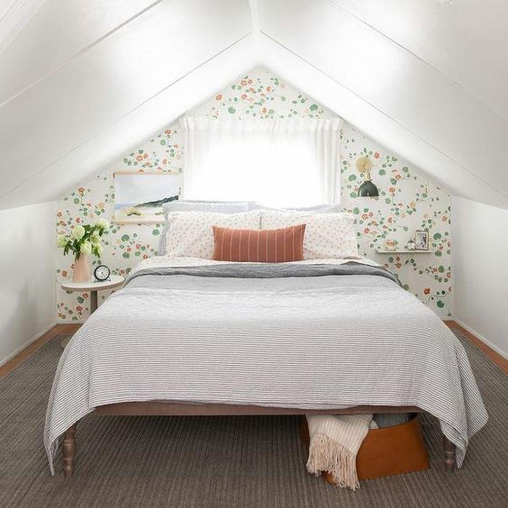 Romantyczna sypialnia napoddaszu