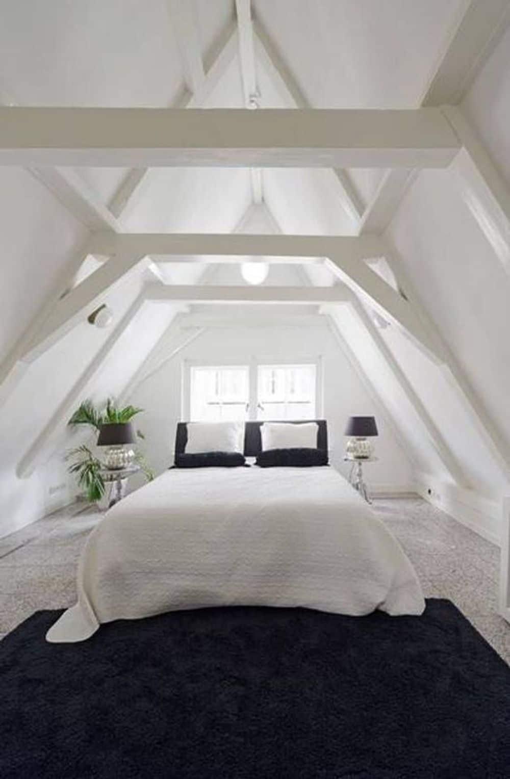 Sypialnia napoddaszu