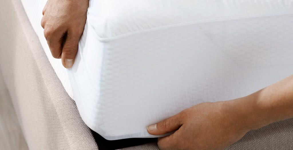 Ochraniacz TEMPUR FIT ochroni materac